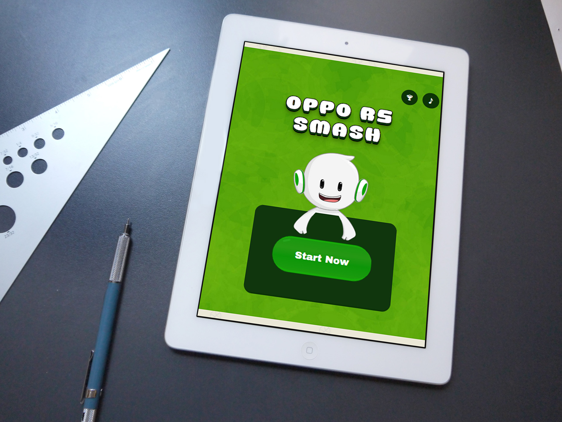 Oppo R5 Smash web game project start screen displayed on iPad